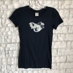 🐨 Gilly Hicks Koala T-Shirt - Size M🐨